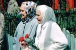 Надежда Павловна Сюкасева (справа)